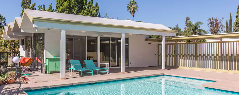 11 amazing mid century airbnb rentals on the west coast. Black Bedroom Furniture Sets. Home Design Ideas