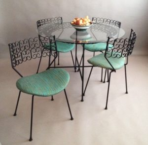Umanoff Granada Table and Chairs