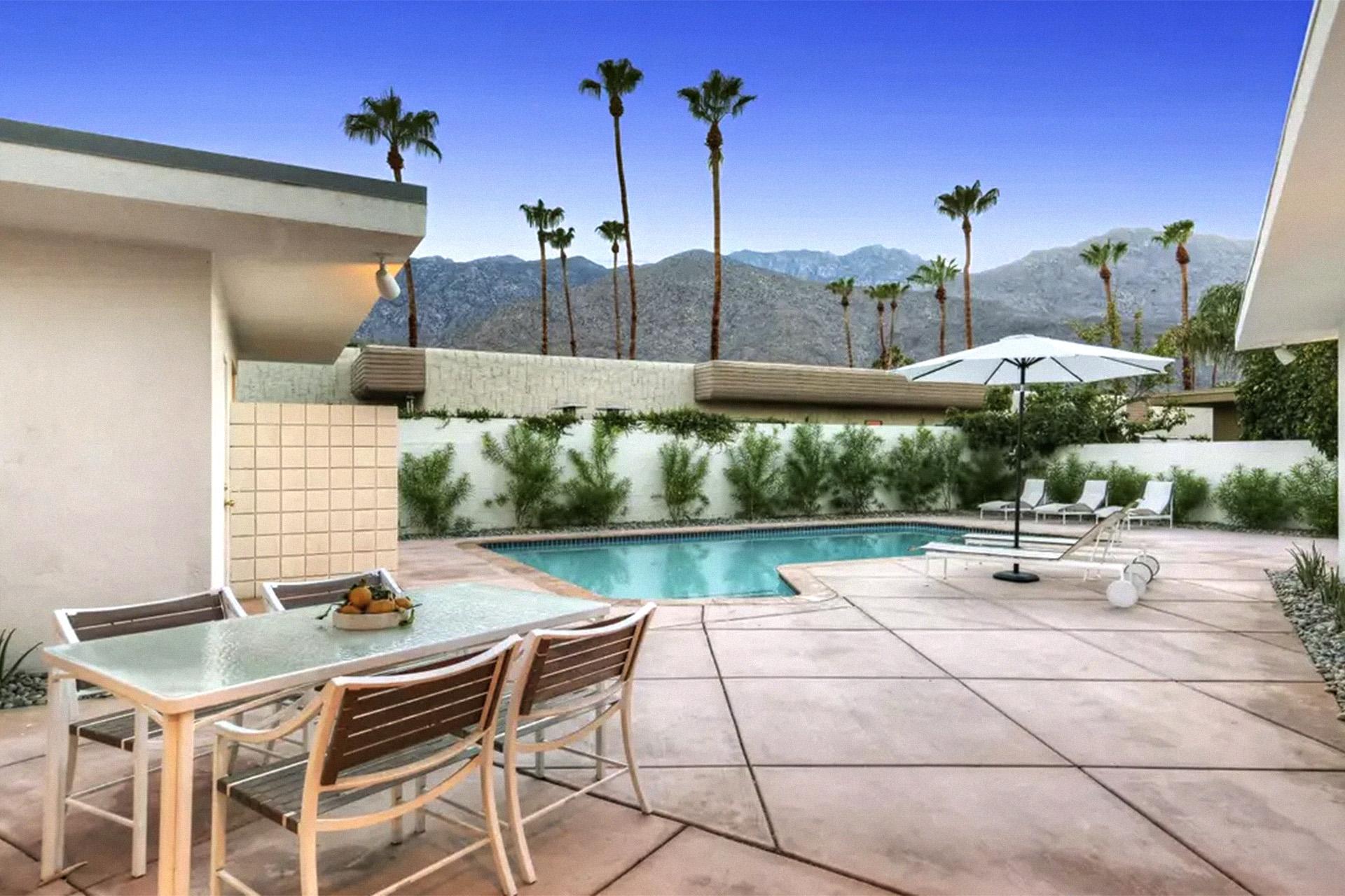 Image of: 11 Amazing Mid Century Airbnb Rentals On The West Coast Mid Mod Mango